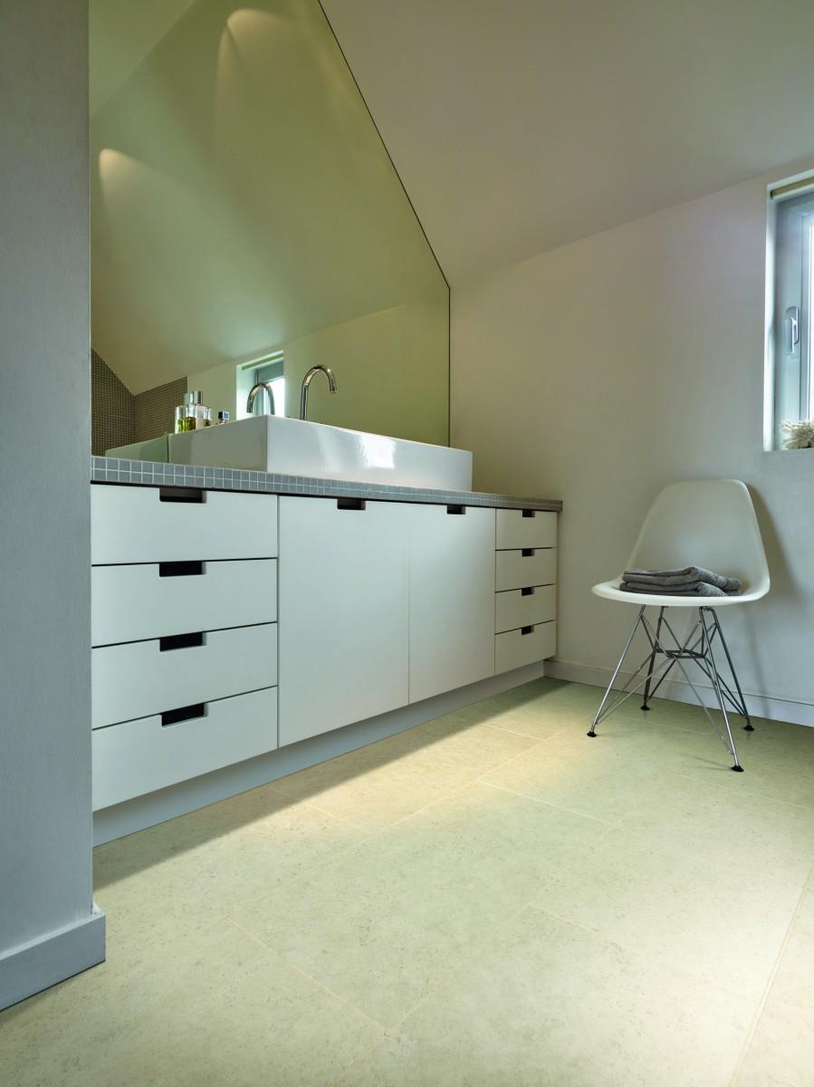 vinyle de luxe pour la salle de bains et la cuisine. Black Bedroom Furniture Sets. Home Design Ideas