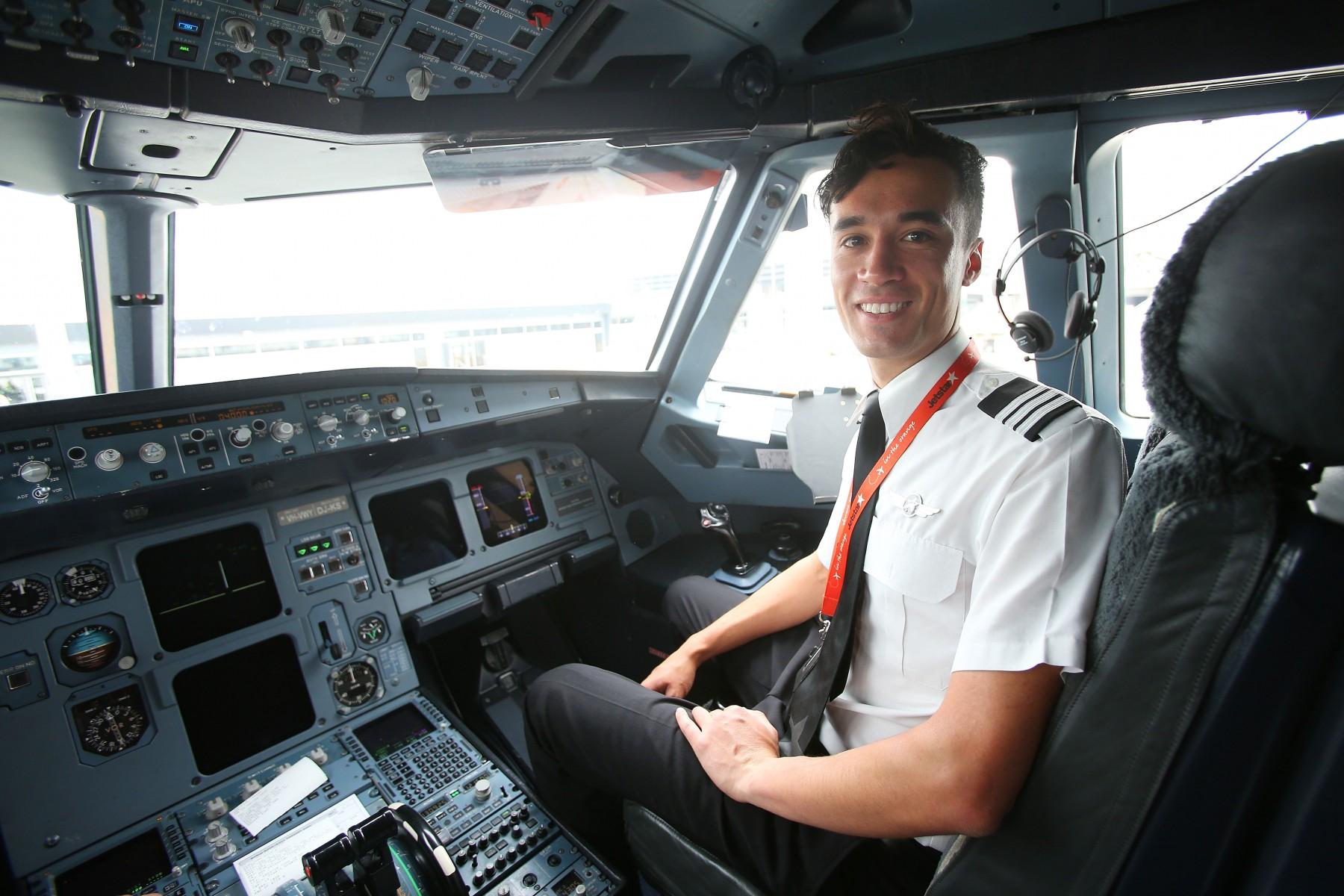 Jetstar S Exclusive Cadet Pilot Program Attracts Hundreds