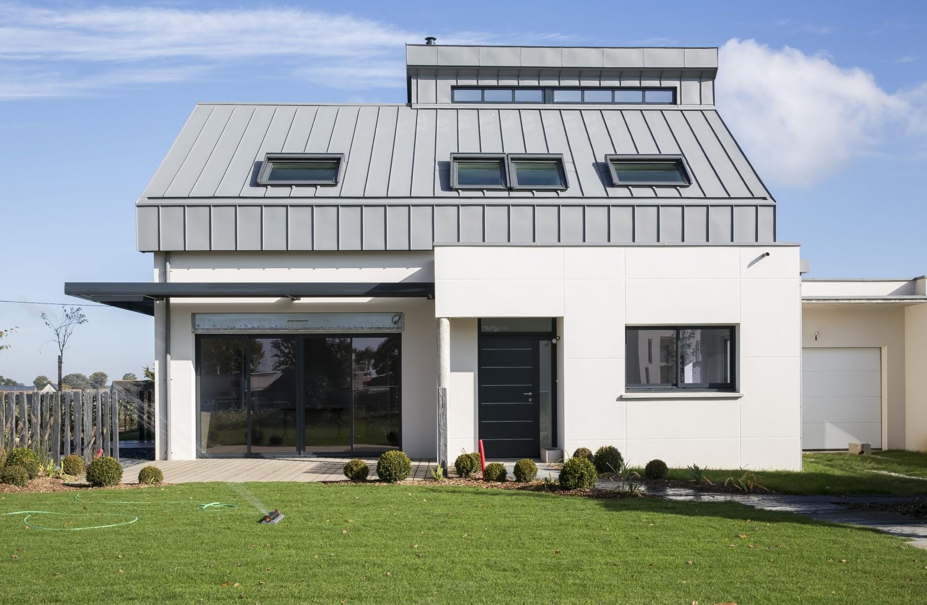 la vision velux de l habitat de demain inspire le constructeur breton de maisons individuelles. Black Bedroom Furniture Sets. Home Design Ideas