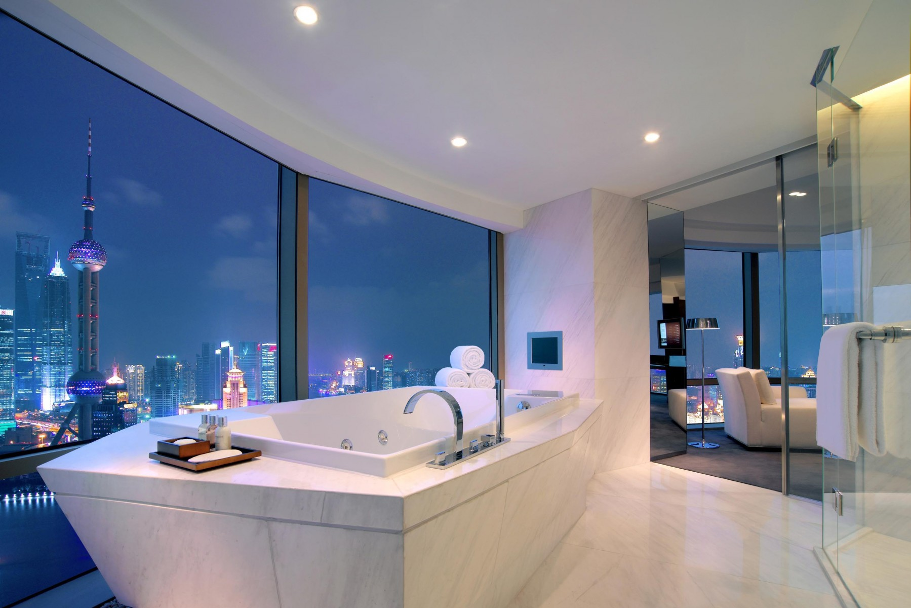 Beautiful Bathrooms Soak Up The View  8 Beautiful Bathrooms You Won't Be Able To Resist