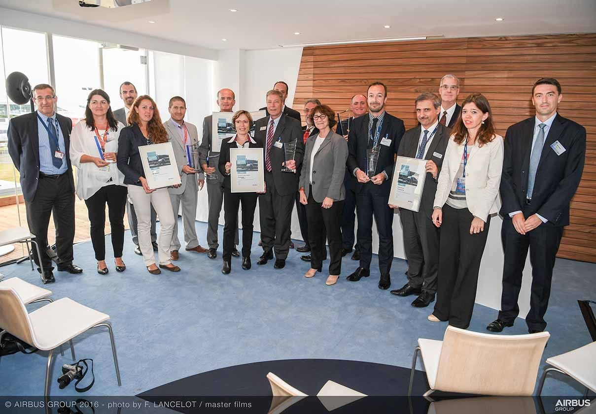 Crane receives the Supplier Support Rating Award from Airbus at the Farnborough Airshow
