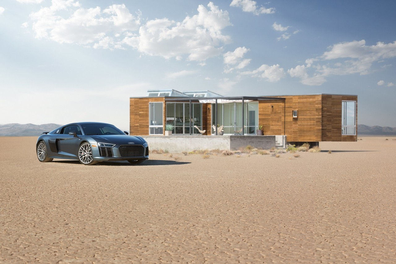 Audi R8 V10 Plus inclusief luxe huis in Death Valley