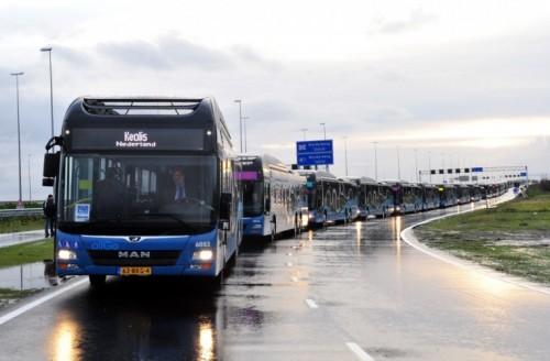 MAN levert 1,5 km lange rij bussen aan Keolis Nederland voor stads- en streeklijnen Almere