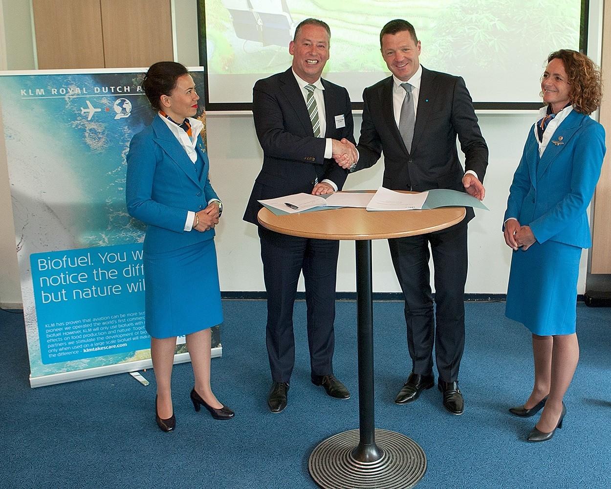 KLM TU Delft ondertekening