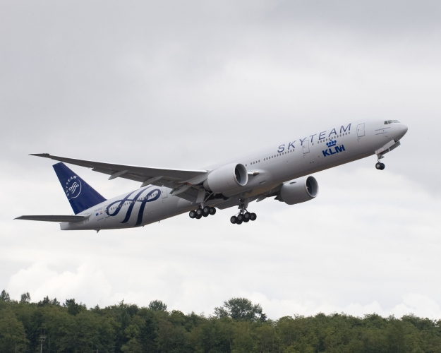 B777 in Skyteam colours