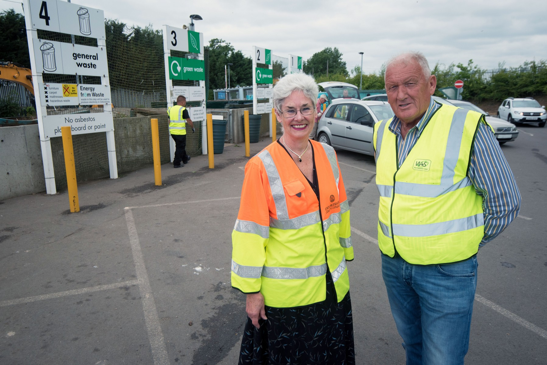 Oxfordshire County Councillor Yvonne Constance, Cabinet Member for Environment and Geoff Thompson, owner of W&S Recycling