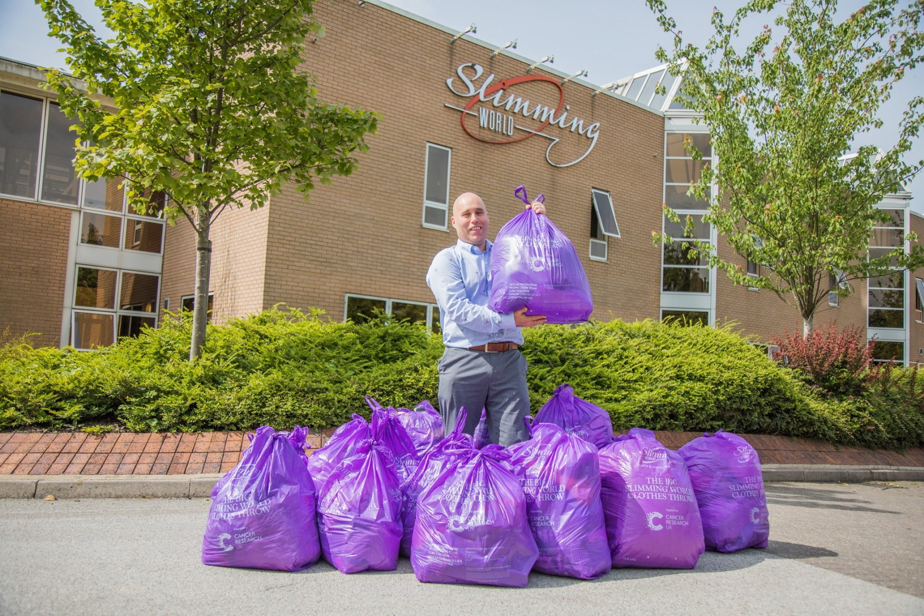 Slimming World Staff Raise 4675 In Two Weeks For Charity