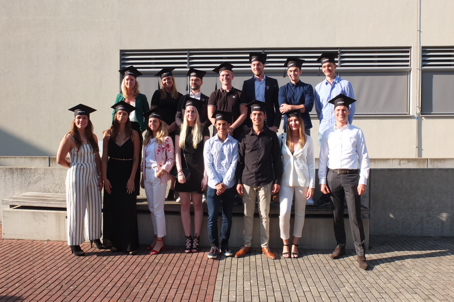 diplomering Business Studies Haarlem afstudeerrichting Marketing