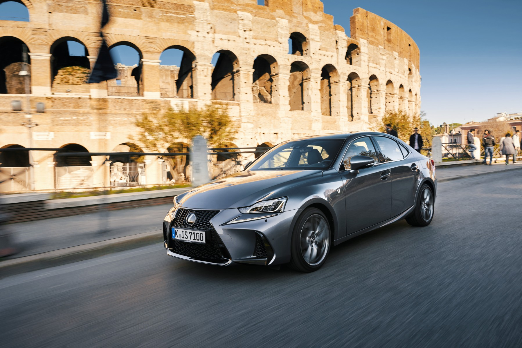 2017-lexus-is-200t-dynamic-13-2