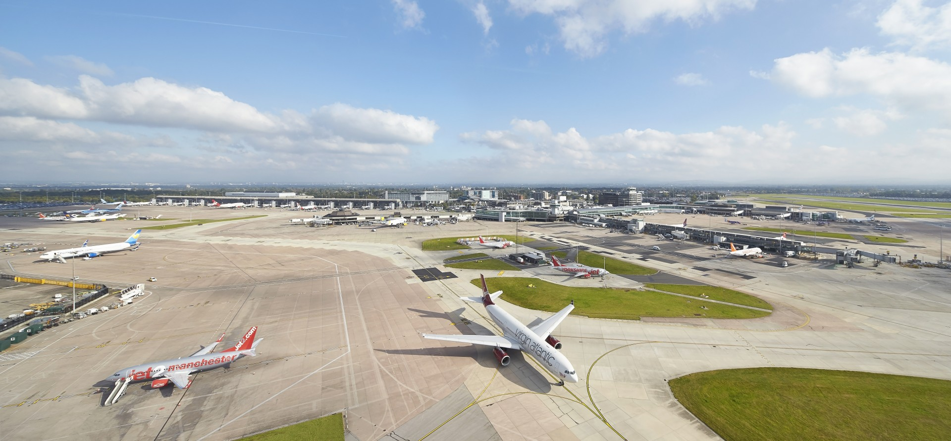 Manchester airport adds more passengers than any other uk airport kristyandbryce Choice Image