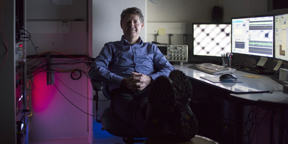 UAlberta physicist Robert Wolkow and his team have unlocked the potential for greener, faster, smaller electronic circuitry. (Photo by John Ulan)