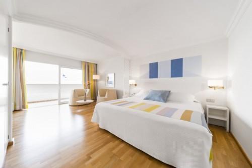 Room at OCÉANO