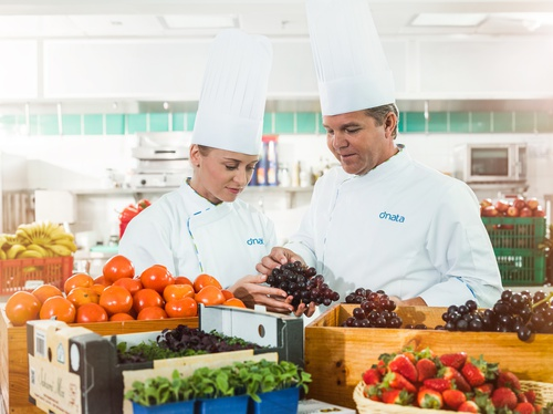 dnata to acquire Qantas' catering businesses