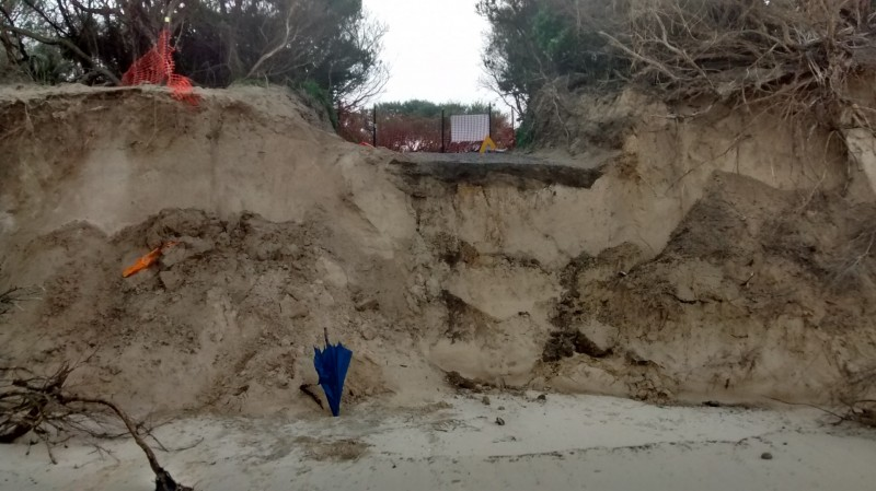 Damage+caused+by+erosion+has+forced+the+closure+of+the+beach+access+track+near+Goroke+Street+in+Inverloch.