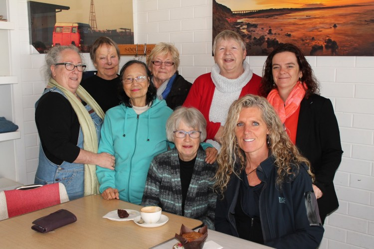 Carers+Support+Group+members+Karen+Sandon%2C+Sue+Findlay%2C+Maria+Gilmore%2C+Tina+Hanen%2C+Lyn+Sedgman%2C+Nellie+Berkers%2C+Council%26rsquo%3Bs+Planned+Activity+Group+Assistant%2C+Libby+Diprose%2C+and+Council%26rsquo%3Bs+Coordinator+Aged+and+Disability+Planning+and+Programs%2C+Sam+Wightman.