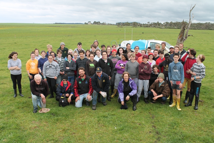 Around+80+Wonthaggi+Secondary+College+Year+8+students+worked+with+Bass+Coast+Landcare+Network+to+plant+10%2C000+native+trees+and+shrubs+recently.