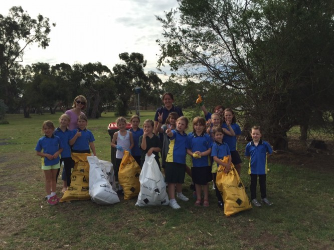 The+Phillip+Island+Junior+Girl+Guides+were+just+one+of+15+groups+who+took+part+in+Clean+Up+Australia+Day+around+Bass+Coast+Shire+recently.
