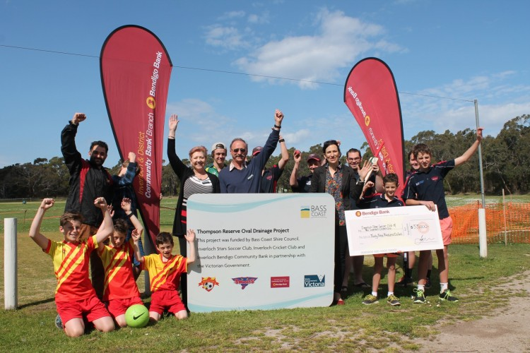 Representatives+from+Bass+Coast+Shire+Council%2C+Bendigo+Community+Bank+Inverloch%2C+Inverloch+Stars+Soccer+Club+and+Inverloch+Cricket+Club+celebrate+the+improvements+to+Thompson+Reserve+in+Inverloch.