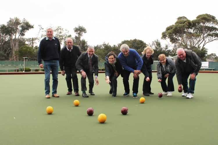 Inverloch+Bowling+Club+Board+Member+Neil+Everitt%2C+President+Ron+Burge%2C+Treasurer+John+Sutcliffe%2C+Secretary+Carol+Waters%2C+Tournament+Secretary+Marg+Flett+and+Greens+Director+Gary+Hardy+test+out+the+new+synthetic+green+at+the+Club.