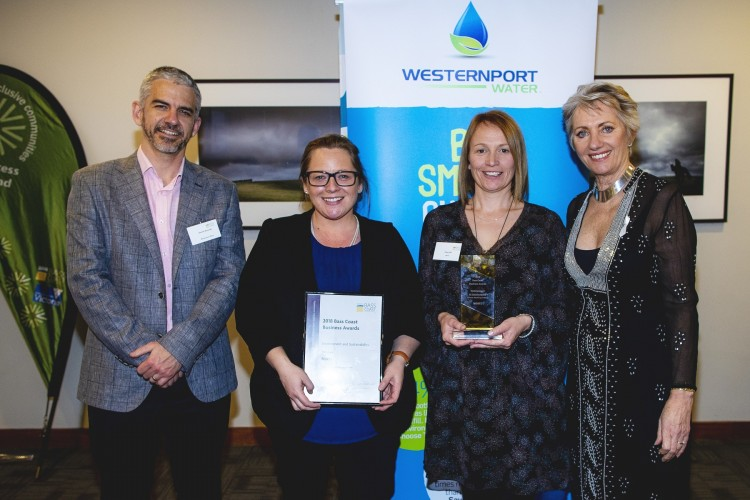 Local+business+Norte+Retail+of+Inverloch+is+pictured+with+Bass+Coast+Shire+Council+Mayor%2C+Cr+Pamela+Rothfield%2C+holding+their+Bass+Coast+Business+Award.+Norte+were+also+winners+of+a+Gippsland+Business+Award.