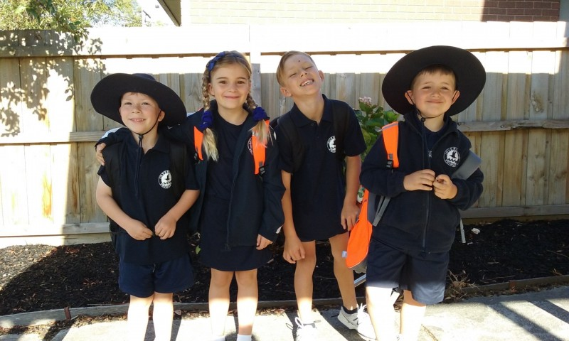 Harvey%2C+Anabelle%2C+Jack+and+Jenson+from+Inverloch+getting+ready+to+walk+to+school.