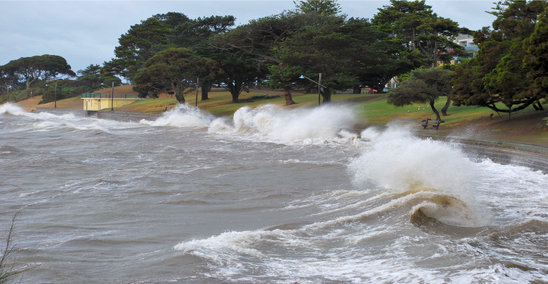 Gippsland+councils+are+working+together+to+create+adaptation+measures+to+increase+local+resilience+to+climate+change+and+prepare+for+events+such+as+this+storm+surge+in+Cowes+in+2010.