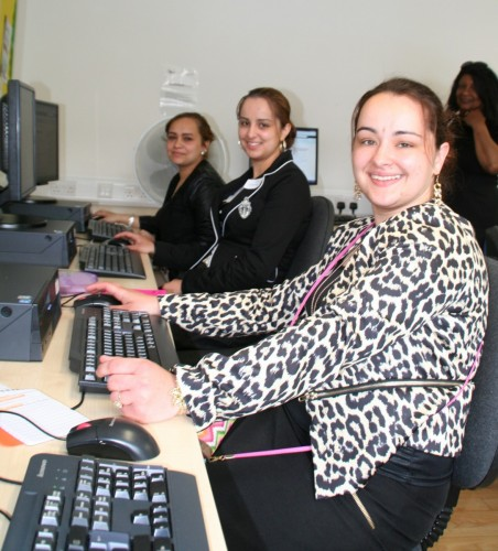 Specialist Computer Course Gets Roma Women Online