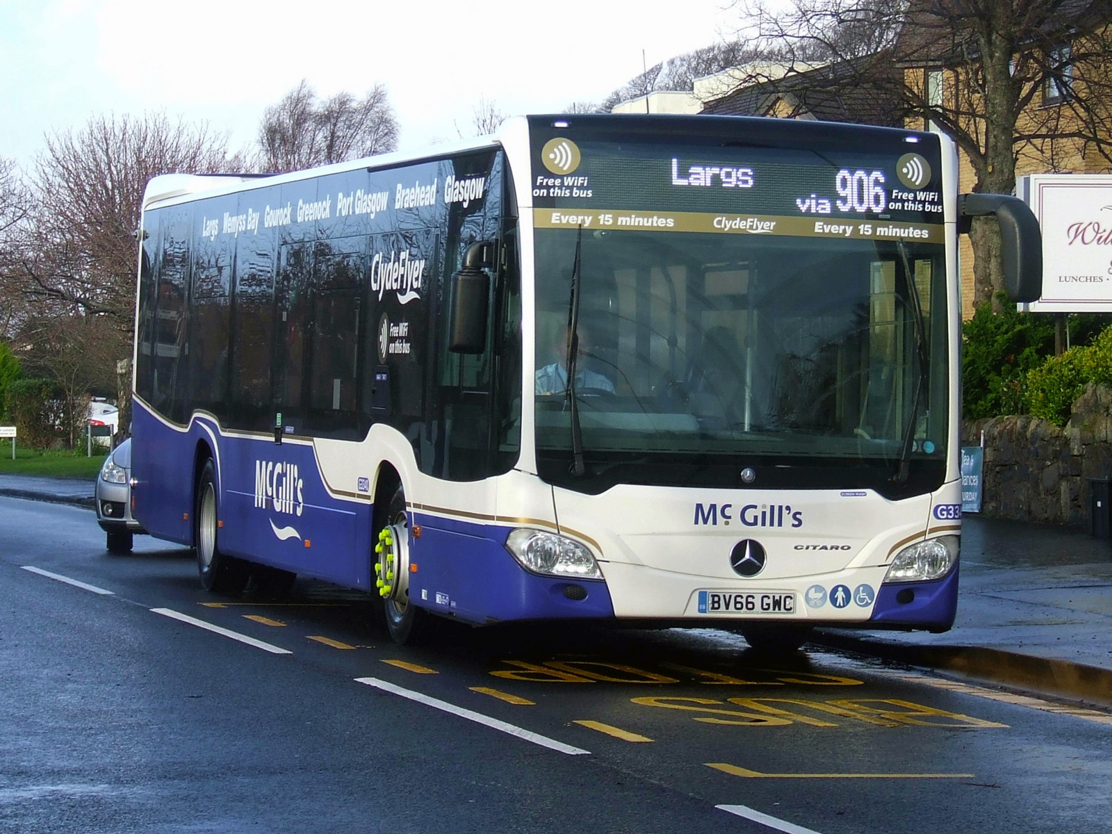 054-michelin-solutions-mcgills-buses.jpg