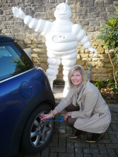 236-michelin-fill-up-with-air-arval.jpg