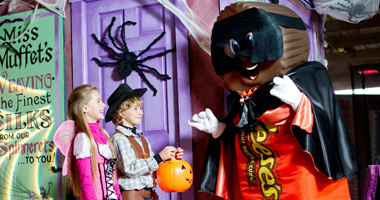 Kids with Reese character dressed in a Halloween costume