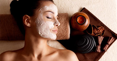 Woman relaxing during a chocolate facial