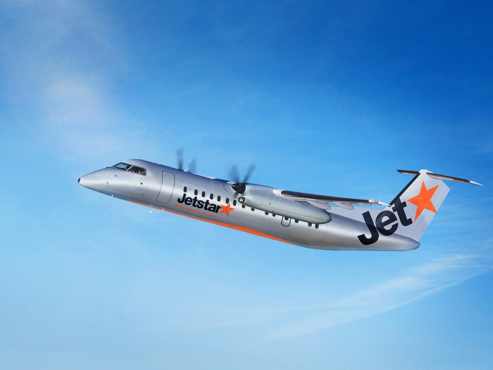 Bombardier Q300 in Jetstar livery
