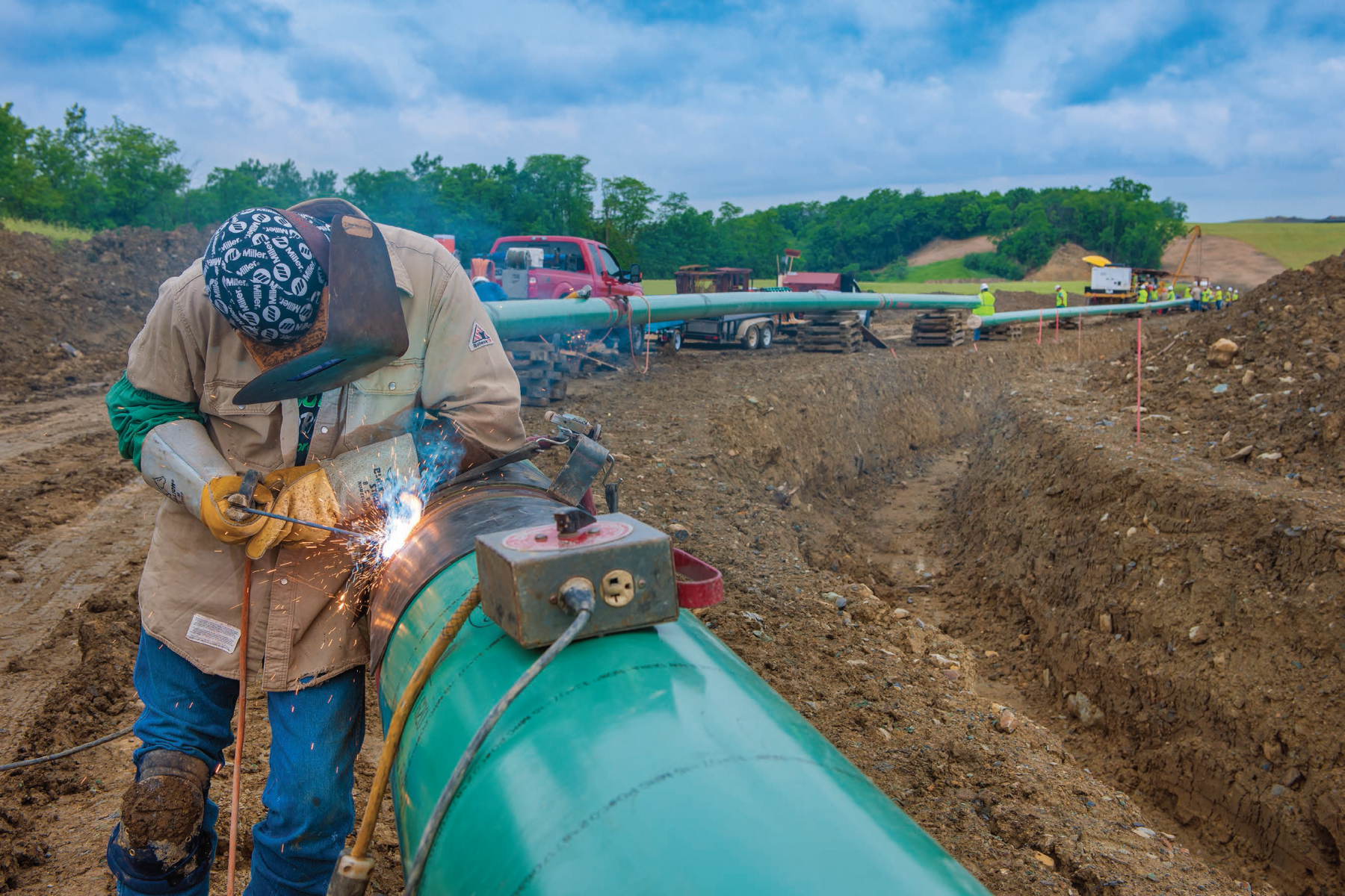 The Cornerstone Pipeline will transport up to 180,000 barrels of condensate and natural gasoline per day to the Midwest.