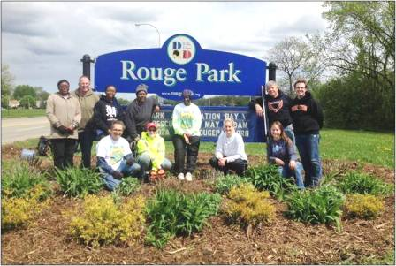 Detroit refinery employees help clean up Rouge Park