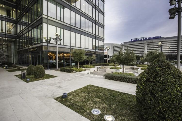 Union investment vende el edificio de oficinas p rtico en madrid - Oficinas western union madrid ...