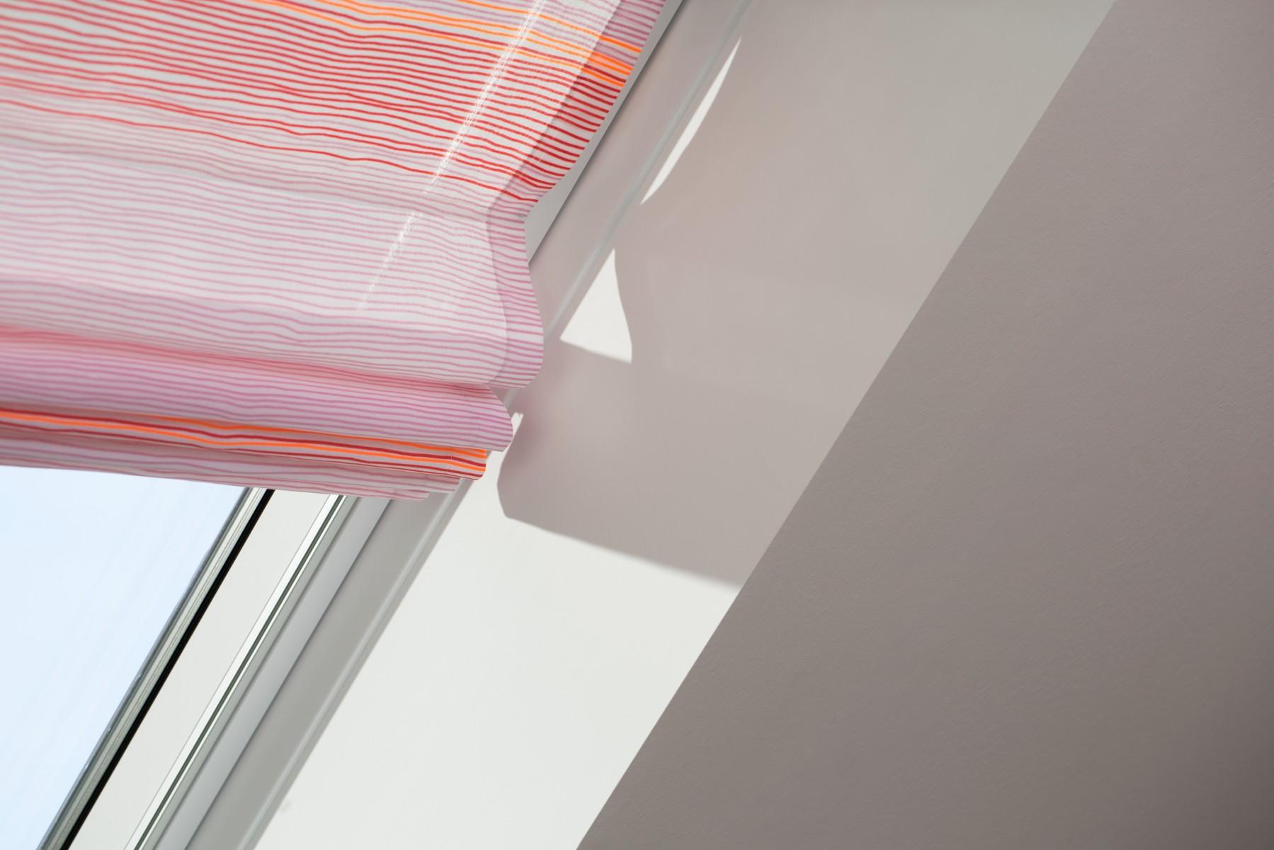 des stores design pour habiller la lumi re et renouveler son int rieur. Black Bedroom Furniture Sets. Home Design Ideas