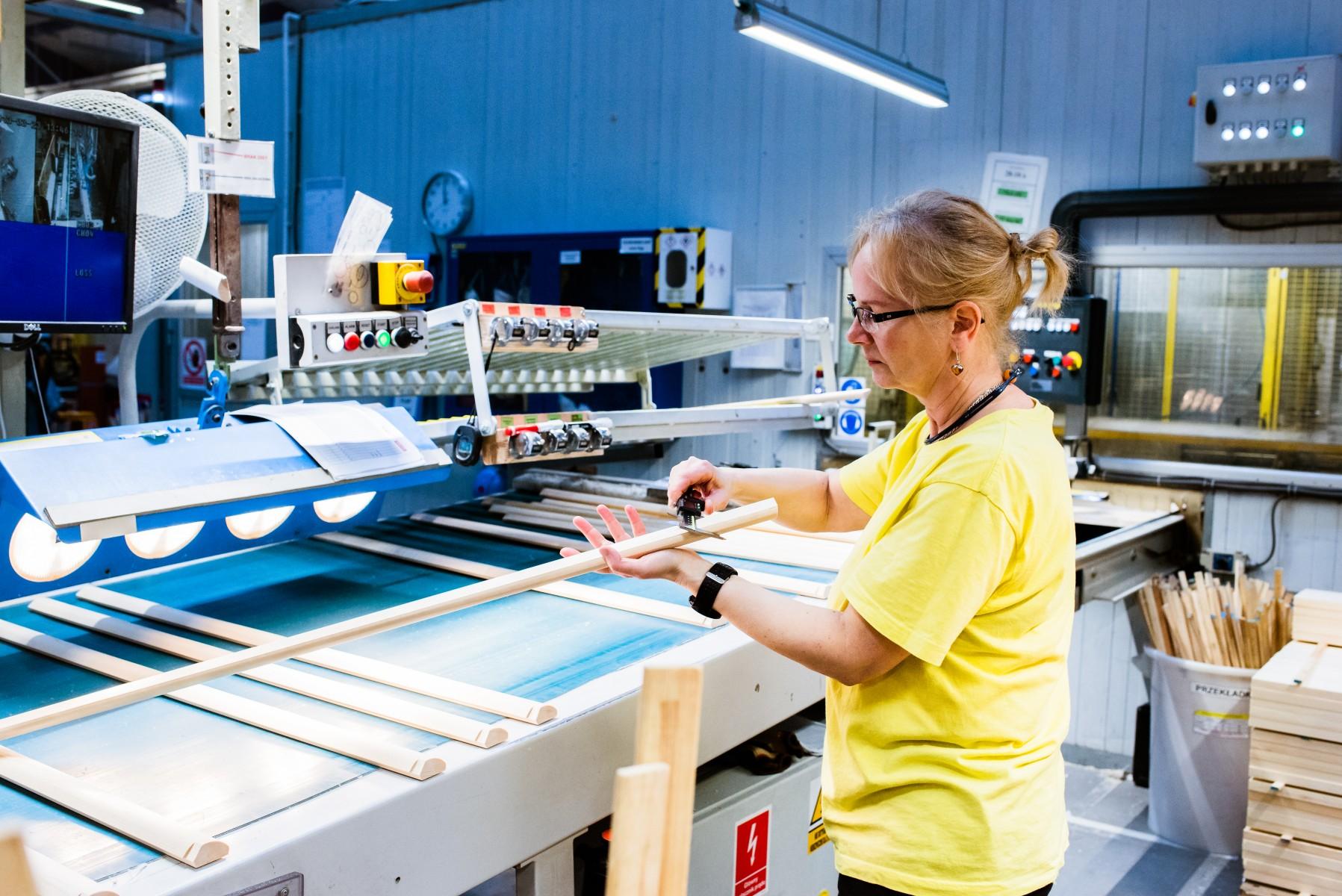 Kontrola jakości w fabryce VELUX w Gnieźnie