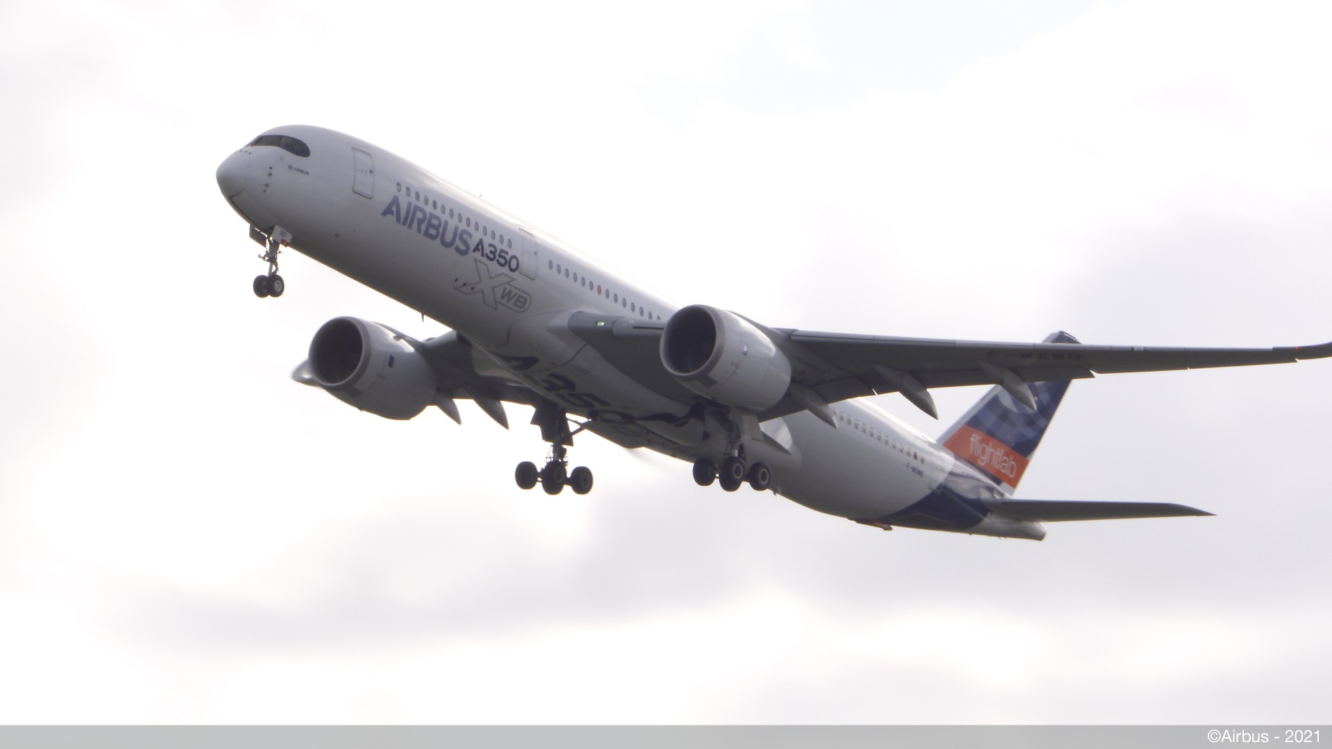 A350 MSN01 takes off from TLS with 100%SAF on board (Credit Airbus 2021)