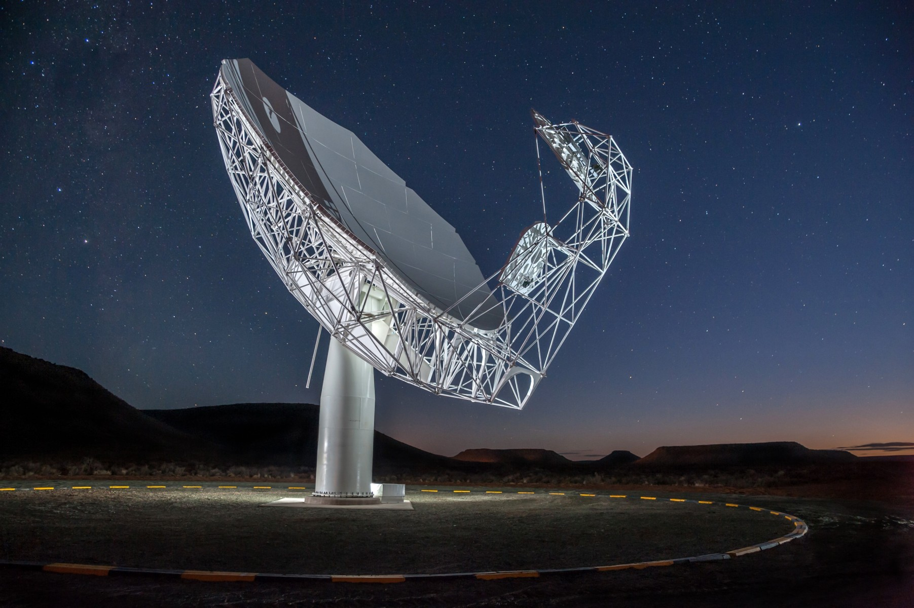 A night view of a MeerKAT antenna