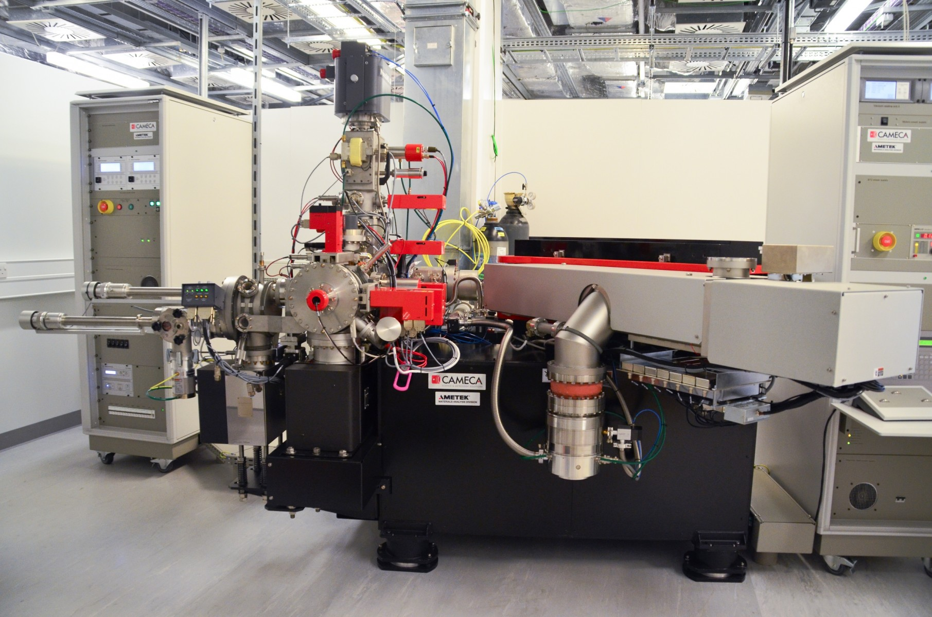 The CAMECA NanoSIMS instrument at The University of Manchester