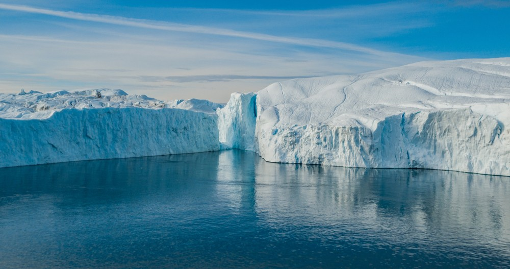 stock-photo-iceberg-aerial-photo-giant-icebergs-in-disko-bay-on-greenland-floating-in-ilulissat-icefjord-from-1289165434.jpg
