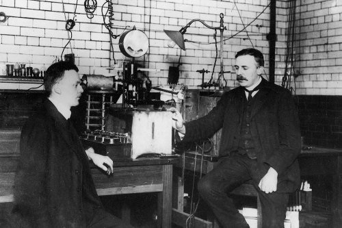 ernest-rutherford-and-hans-geiger