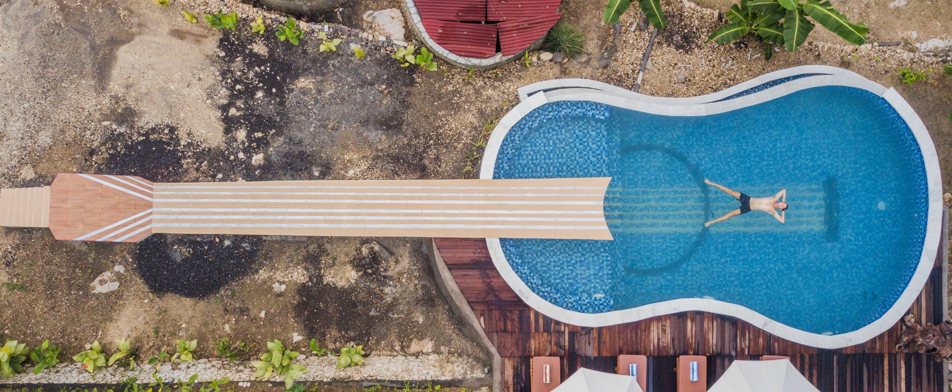 Image of: Cool Off In Style In One Of These Stunning Signature Swimming Pools