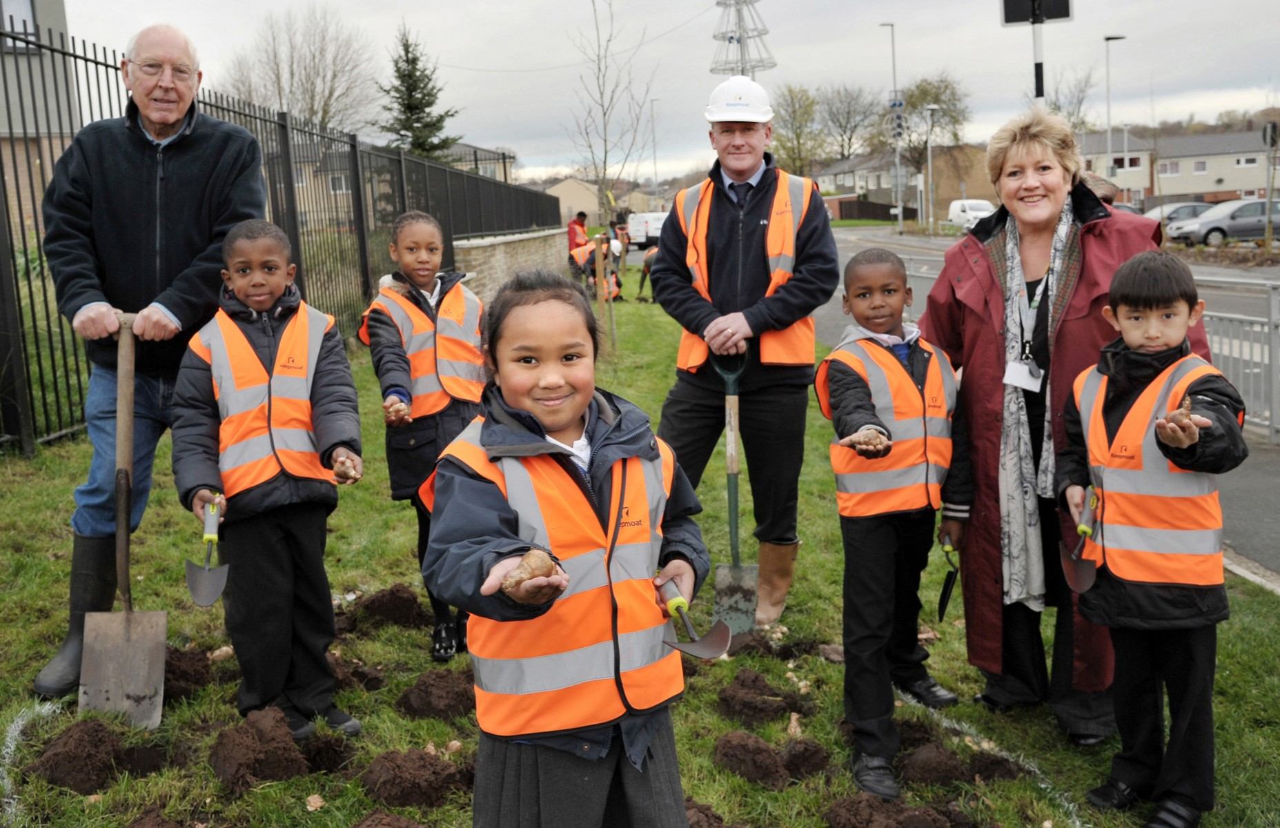 Bulb planting in Little London housing regeneration project