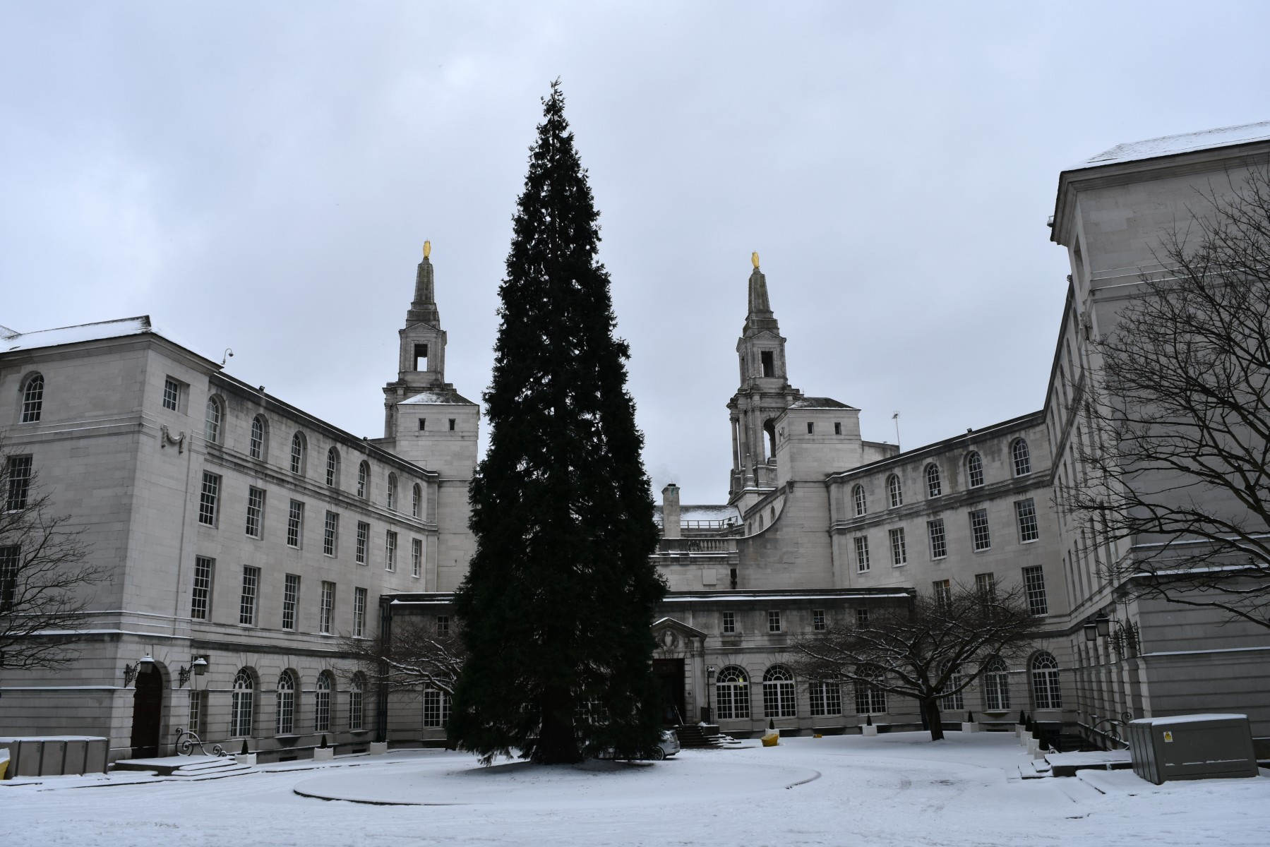 Leeds Civic Hall Snowy 2018