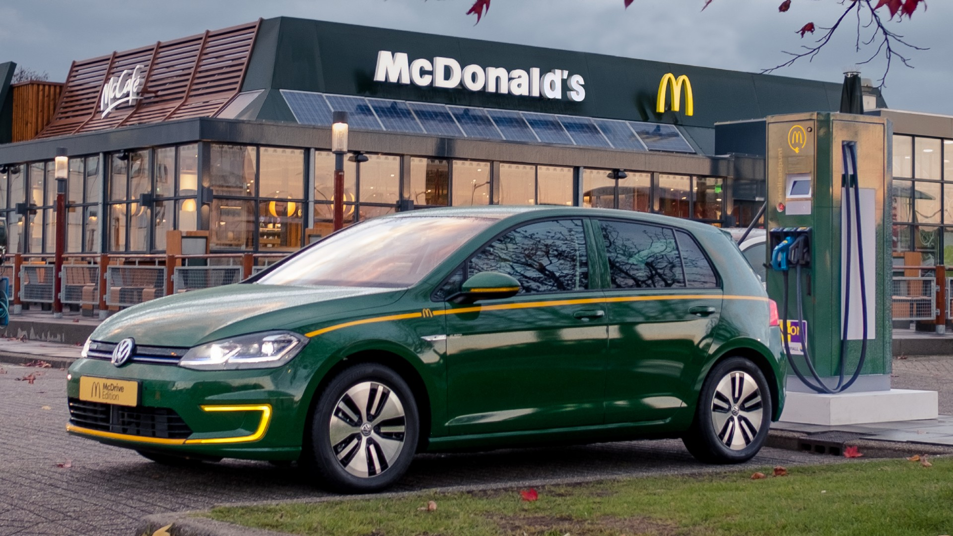 McDonald's onthult exclusieve Volkswagen e-Golf McDrive Edition