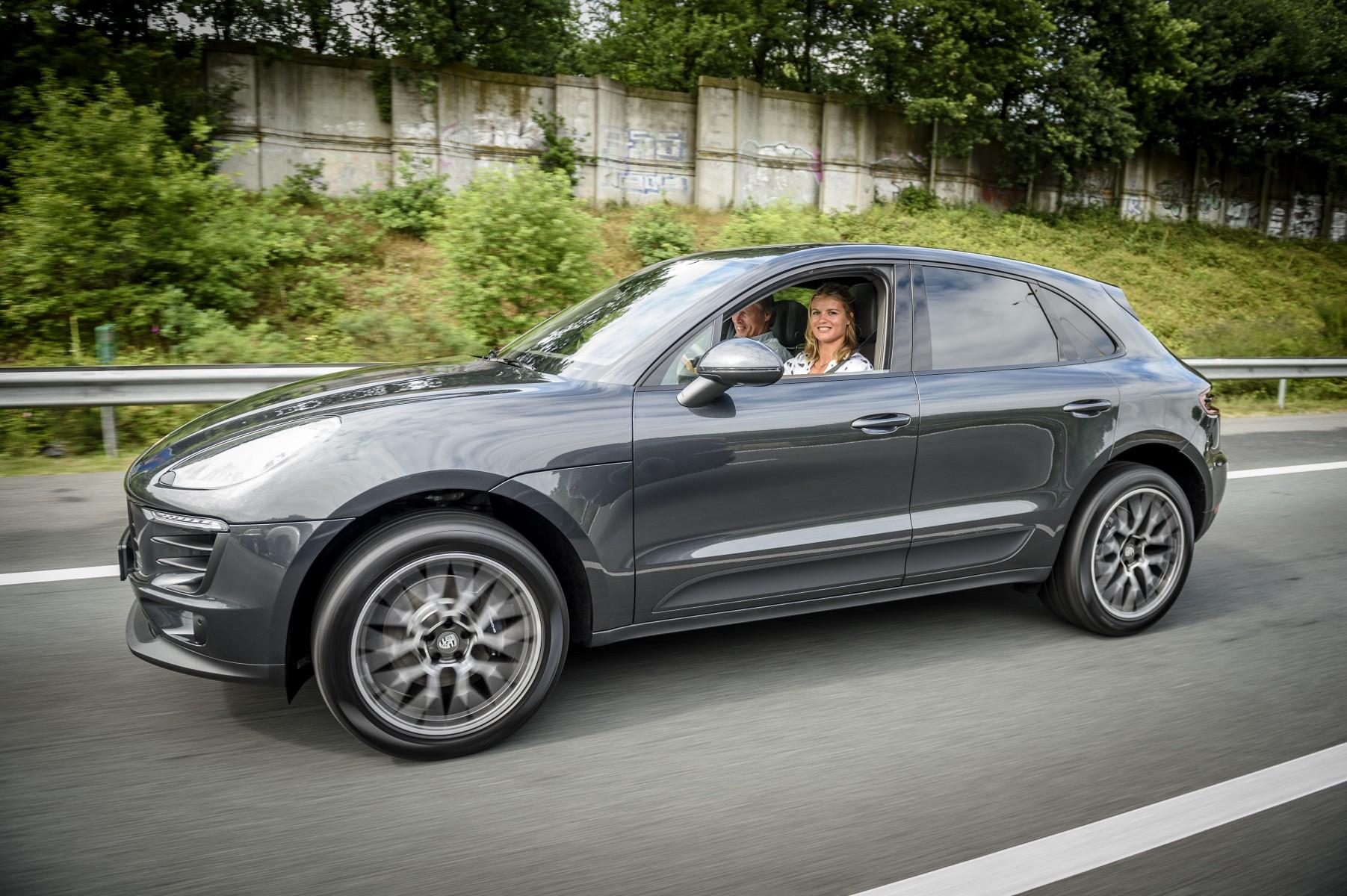 Sprinten Met Uithoudingsvermogen Dafne Schippers Rijdt Porsche Macan