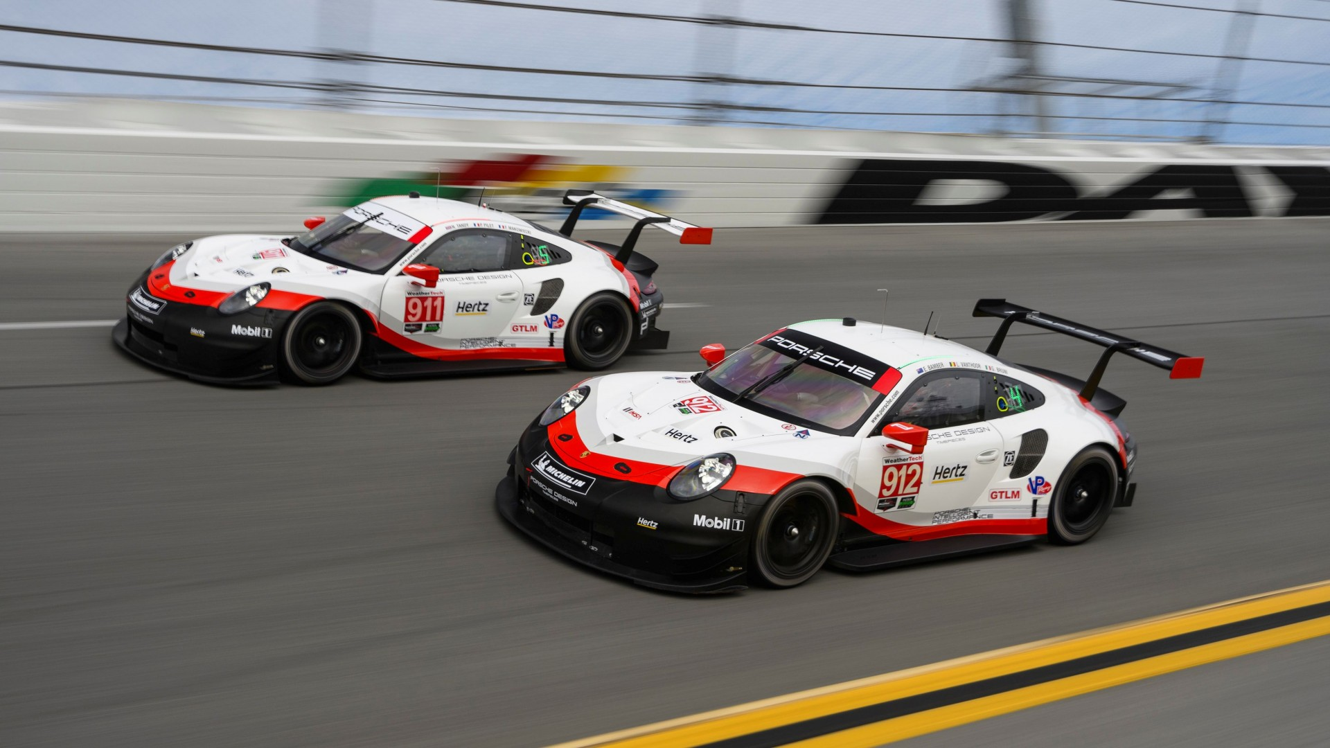 Hotlap over Daytona in de Porsche 911 RSR