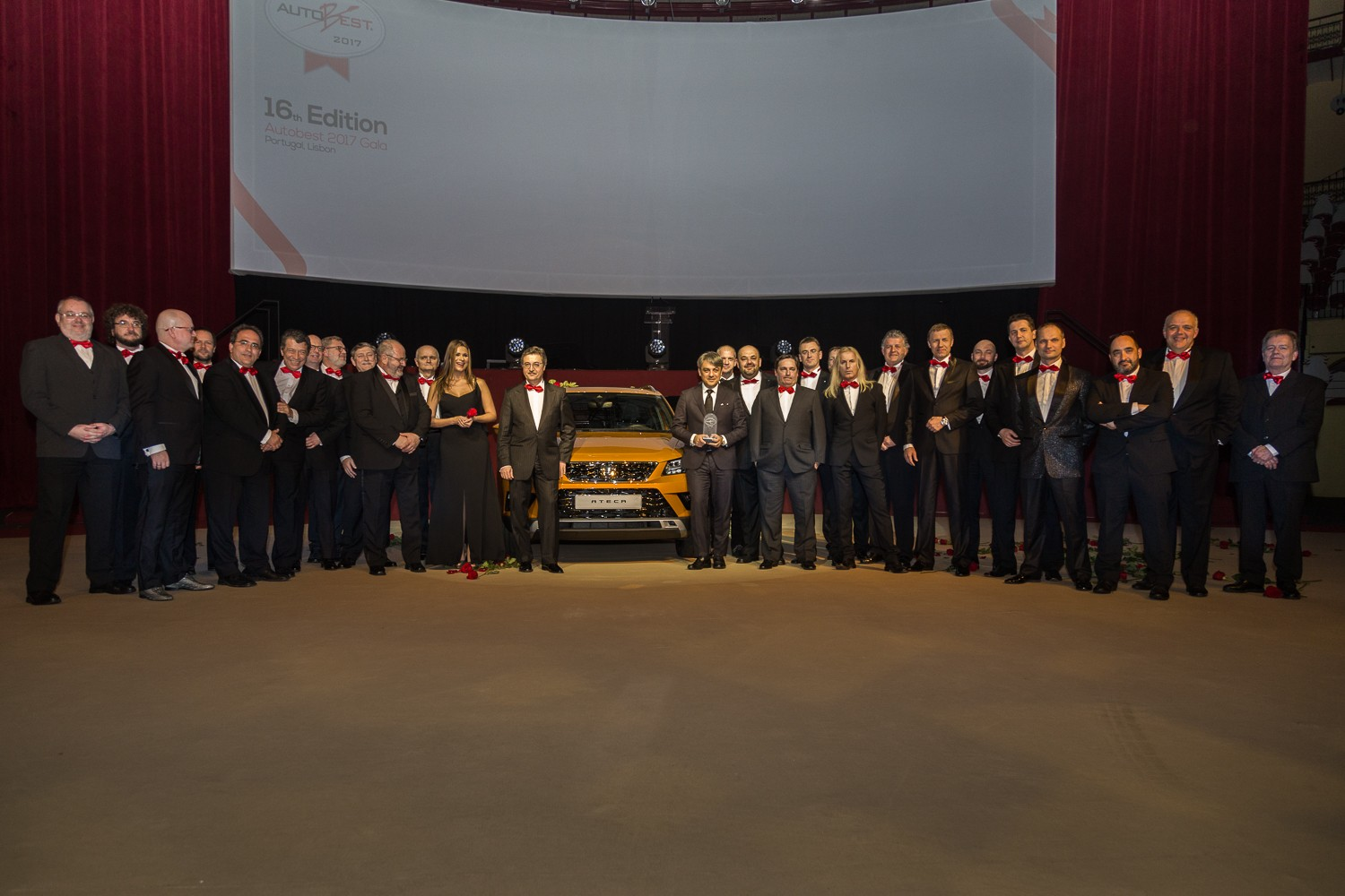 SEAT Ateca krijgt AUTOBEST 'Best Buy Car of Europe' award uitgereikt