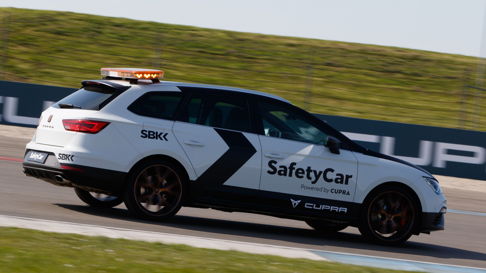 SEAT Leon Safety Car